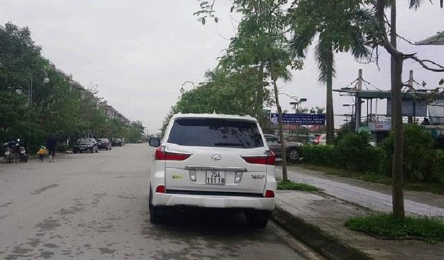 Ảnh: Cận cảnh những chiếc xe sang đeo biển số VIP ở Huế - Ảnh 7.