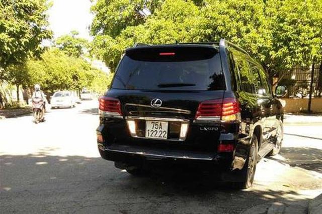 Ảnh: Cận cảnh những chiếc xe sang đeo biển số VIP ở Huế - Ảnh 10.