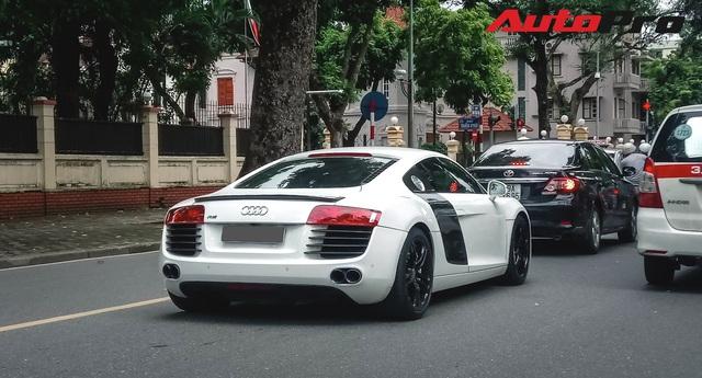 Dân chơi mang Audi R8 duy nhất tại Hà Nội xuống phố ngày Quốc khánh - Ảnh 3.