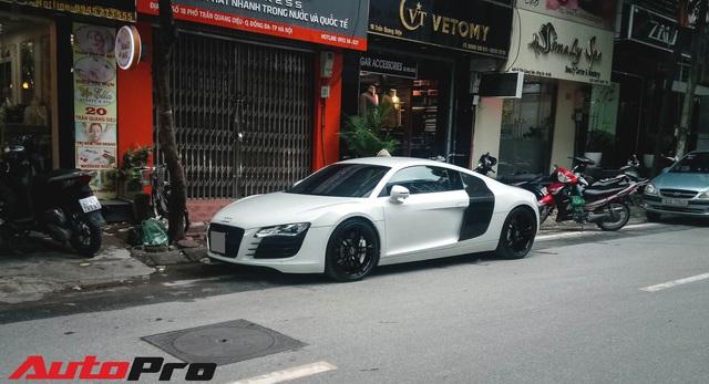 Dân chơi mang Audi R8 duy nhất tại Hà Nội xuống phố ngày Quốc khánh - Ảnh 1.