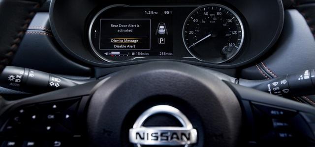 Tới 2022, toàn bộ xe Nissan tại Việt Nam sẽ cảnh báo khi bạn quên trẻ em trong xe nếu... tính năng này không bị cắt bớt - Ảnh 3.