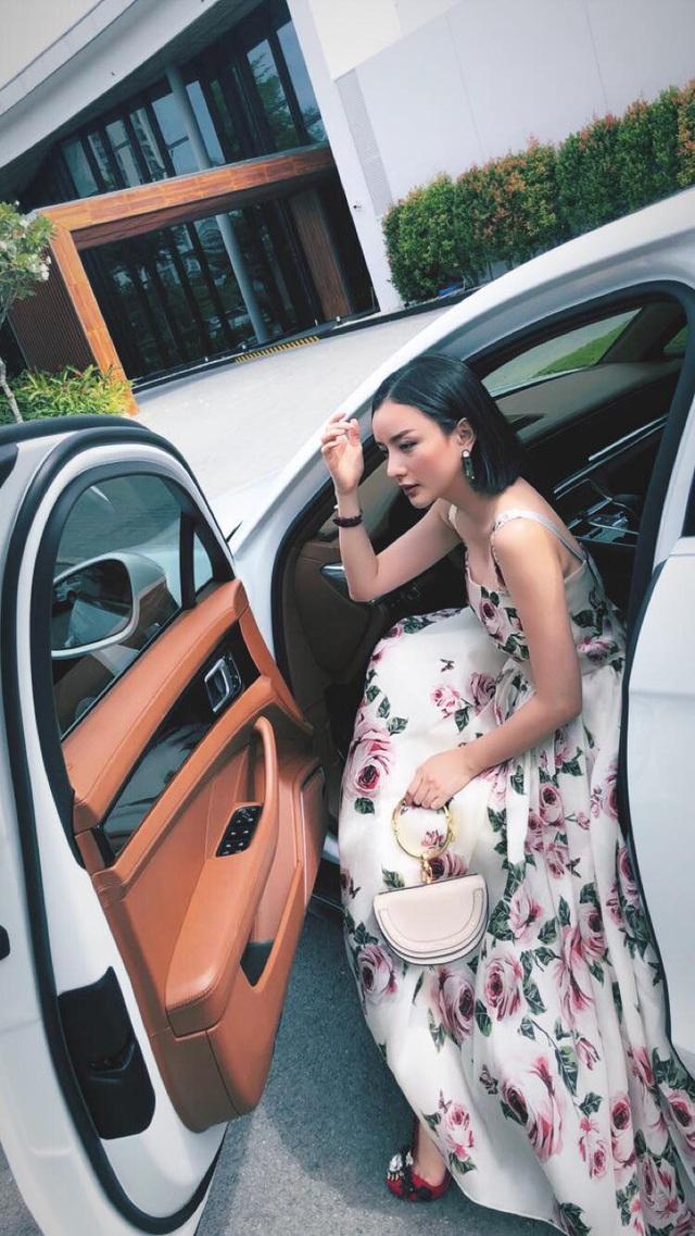 Dàn siêu xe và xe sang đắt đỏ của nhà hot girl Việt lấy chồng người Thái Lan - Ảnh 11.