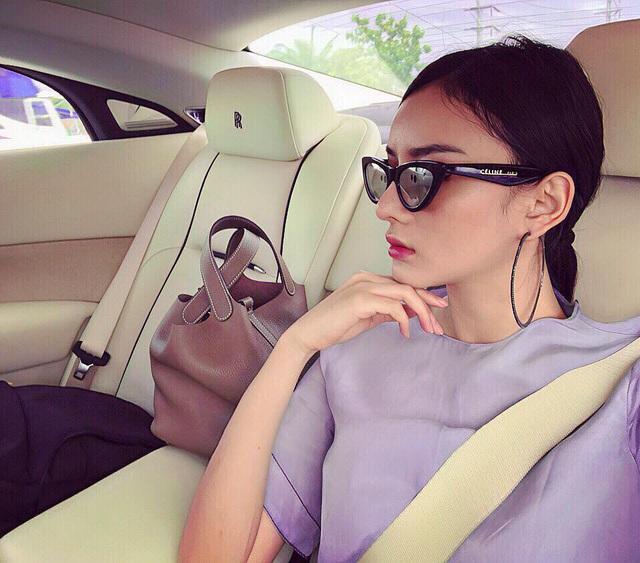 Dàn siêu xe và xe sang đắt đỏ của nhà hot girl Việt lấy chồng người Thái Lan - Ảnh 5.
