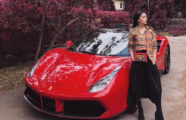 Dàn siêu xe và xe sang đắt đỏ của nhà hot girl Việt lấy chồng người Thái Lan - Ảnh 8.