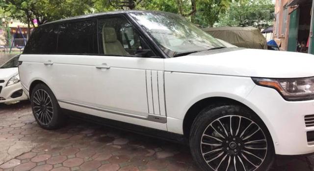 Loạt xe sang Range Rover bị vặt gương, trộm logo ở Việt Nam - Ảnh 3.