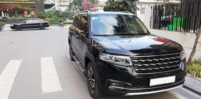 Loạt xe sang Range Rover bị vặt gương, trộm logo ở Việt Nam - Ảnh 7.