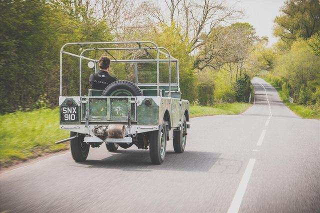 Land Rover 70 tuổi tái xuất hoành tráng sau hơn 1.000 ngày phục dựng - Ảnh 7.
