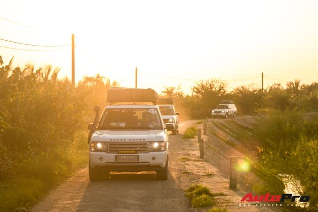 Ông Đặng Lê Nguyên Vũ chi hàng trăm triệu đồng đổ xăng Range Rover trong Hành trình từ trái tim miền Tây - Ảnh 2.