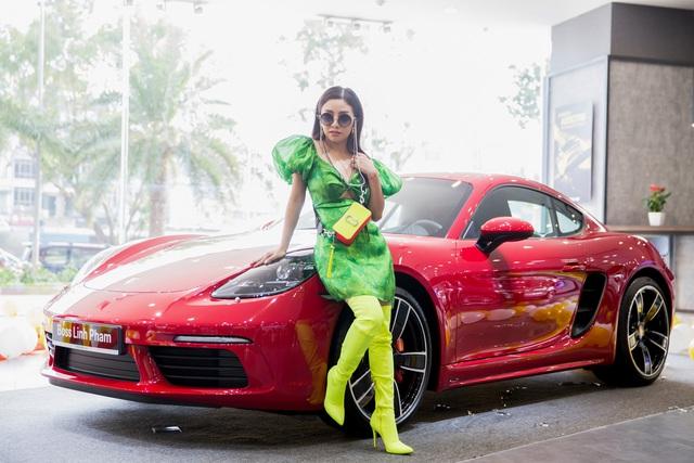Nữ doanh nhân 9x đầu tiên Việt Nam sắm Porsche 718 Cayman S: 'Muốn sống đúng tính cách con người mình, biết làm và biết chơi' - Ảnh 3.