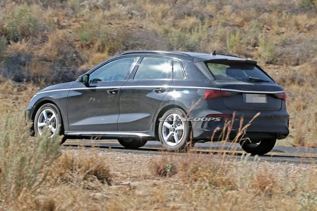 Audi A3 chạy thử không ngụy trang, dân tình chê tơi bời vì nhàm chán - Ảnh 2.