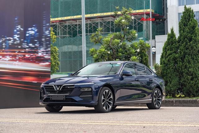 Chủ xe VinFast Lux và Fadil được đỗ xe miễn phí tại Vincom và Vinhomes trên toàn quốc trong 3 năm - Ảnh 1.