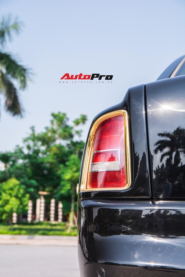 Rolls-Royce Phantom độ phiên bản rồng, mạ vàng có giá bao nhiêu trên sàn xe lướt? - Ảnh 7.
