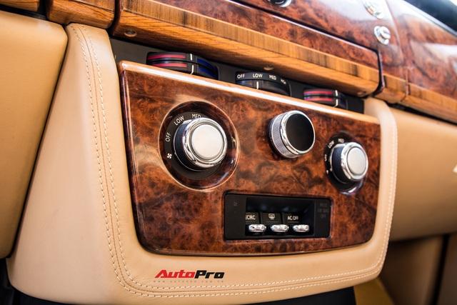 Rolls-Royce Phantom độ phiên bản rồng, mạ vàng có giá bao nhiêu trên sàn xe lướt? - Ảnh 15.