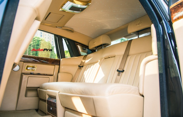 Rolls-Royce Phantom độ phiên bản rồng, mạ vàng có giá bao nhiêu trên sàn xe lướt? - Ảnh 16.