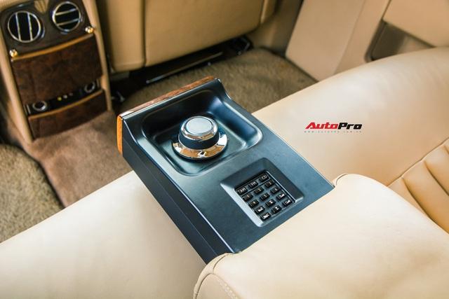 Rolls-Royce Phantom độ phiên bản rồng, mạ vàng có giá bao nhiêu trên sàn xe lướt? - Ảnh 19.