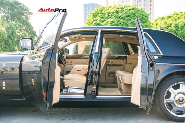 Rolls-Royce Phantom độ phiên bản rồng, mạ vàng có giá bao nhiêu trên sàn xe lướt? - Ảnh 9.