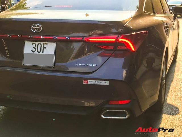 Cận cảnh hàng hiếm Toyota Avalon 2019 - Đàn anh của Toyota Camry lăn bánh Việt Nam - Ảnh 8.