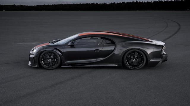 Bugatti xô đổ cột mốc 300 dặm/giờ ao ước của mọi hãng xe thể thao với Chiron, nhấp nhá phiên bản Super Sport