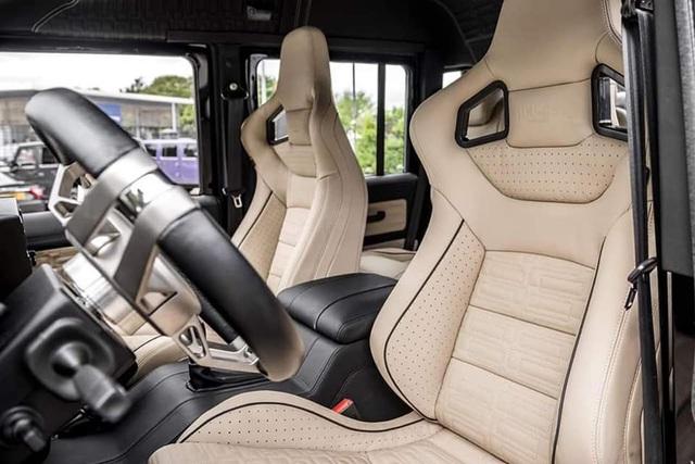 4 năm tuổi, phiên bản siêu hiếm của Land Rover Defender vẫn có giá 3,9 tỷ đồng - ngang Evoque mua mới - Ảnh 3.