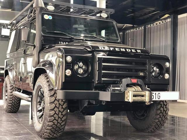 4 năm tuổi, phiên bản siêu hiếm của Land Rover Defender vẫn có giá 3,9 tỷ đồng - ngang Evoque mua mới - Ảnh 4.
