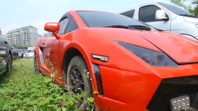 Lái Lamborghini fake chưa đến 50 triệu ra đường, người phụ nữ bị công an tạm giữ, thu xe - Ảnh 1.