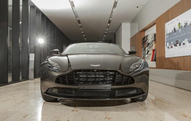 Chi tiết Aston Martin DB11 màu Kopi Bronze độc nhất Việt Nam vừa về đại lý - Ảnh 11.