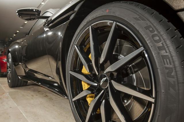 Chi tiết Aston Martin DB11 màu Kopi Bronze độc nhất Việt Nam vừa về đại lý - Ảnh 5.