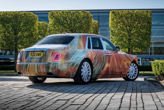 Đại gia chi gấp đôi tiền để mua chiếc Rolls-Royce Phantom có tiểu sử đặc biệt - Ảnh 1.