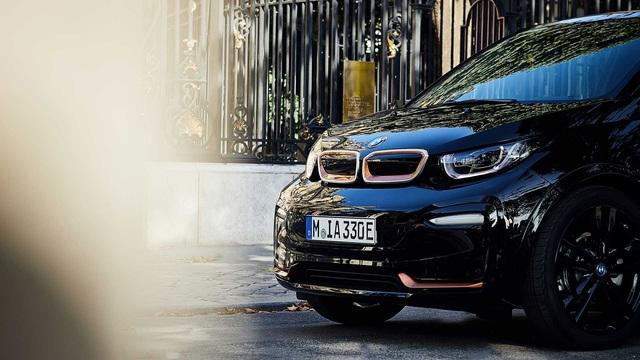 Ra mắt BMW i8 phiên bản đặc biệt - Lời chào trước khi khai tử - Ảnh 2.