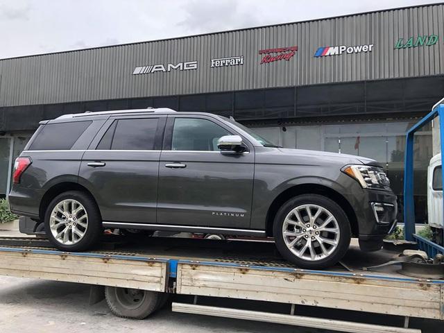 Những mẫu SUV full-size giá tiền tỷ làm nức lòng giới nhà giàu Việt Nam - Ảnh 6.