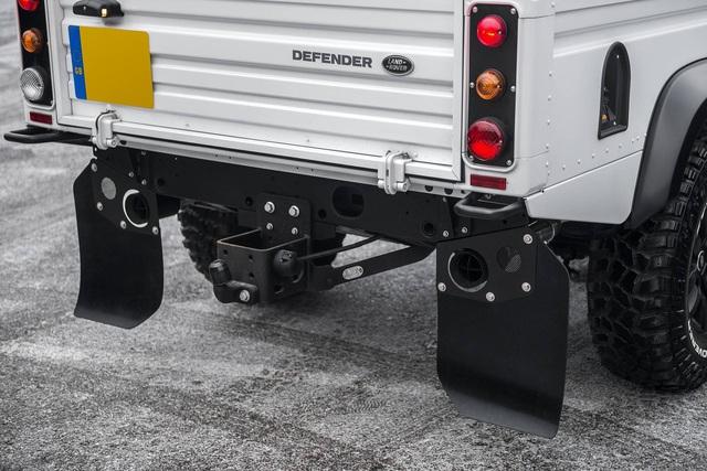 Chiếc bán tải Land Rover Defender siêu độc có giá ngang Mercedes-Benz C-Class - Ảnh 6.