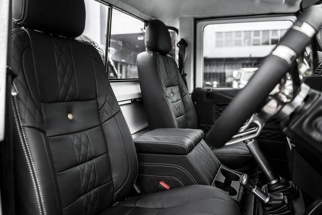 Chiếc bán tải Land Rover Defender siêu độc có giá ngang Mercedes-Benz C-Class - Ảnh 7.
