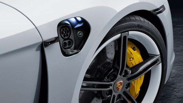 Porsche Taycan ra mắt, xứng danh siêu phẩm chỉ chờ ngày về Việt Nam - Ảnh 8.