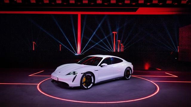 Porsche Taycan ra mắt, xứng danh siêu phẩm chỉ chờ ngày về Việt Nam
