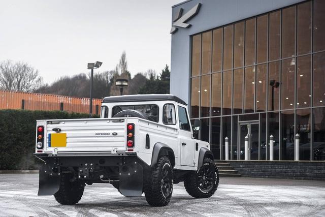 Chiếc bán tải Land Rover Defender siêu độc có giá ngang Mercedes-Benz C-Class - Ảnh 5.