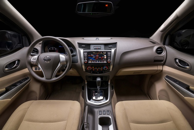 Đuối sức trước Ford Ranger, Nissan Navara tung bản mới thêm trang bị, giá 679 triệu đồng - Ảnh 13.
