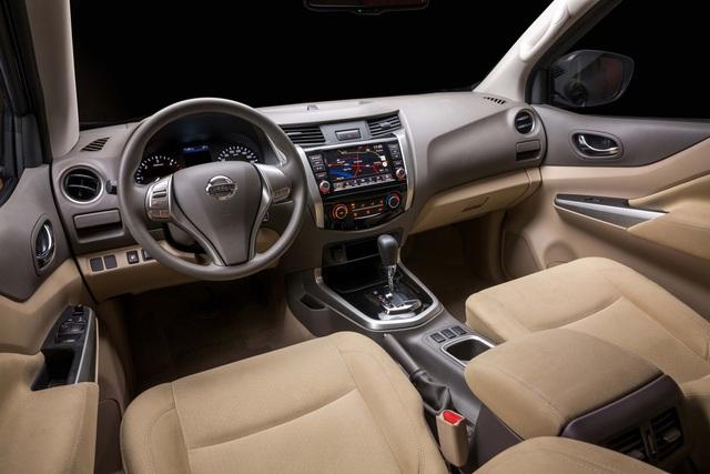 Đuối sức trước Ford Ranger, Nissan Navara tung bản mới thêm trang bị, giá 679 triệu đồng - Ảnh 5.