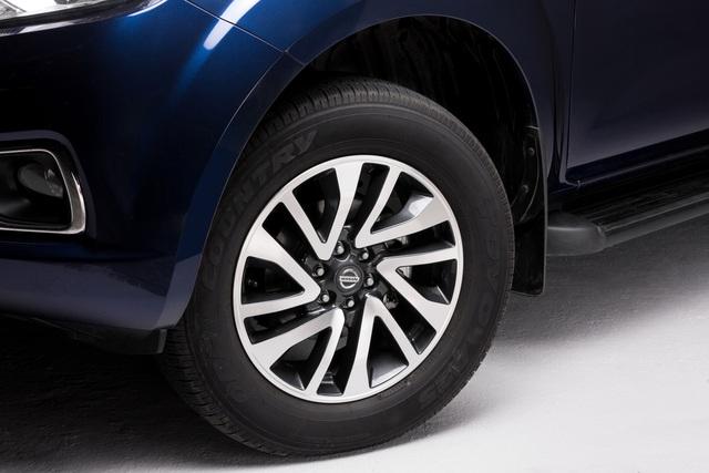 Đuối sức trước Ford Ranger, Nissan Navara tung bản mới thêm trang bị, giá 679 triệu đồng - Ảnh 2.