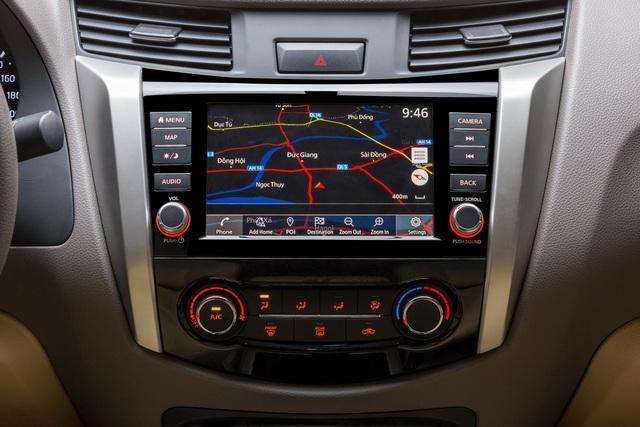 Đuối sức trước Ford Ranger, Nissan Navara tung bản mới thêm trang bị, giá 679 triệu đồng - Ảnh 3.