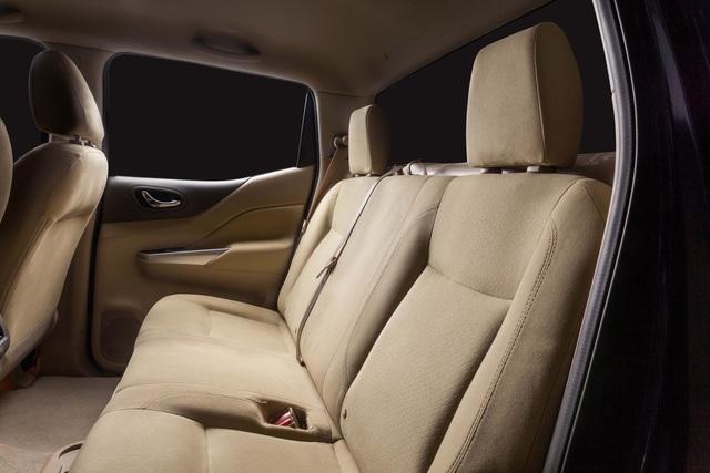 Đuối sức trước Ford Ranger, Nissan Navara tung bản mới thêm trang bị, giá 679 triệu đồng - Ảnh 6.