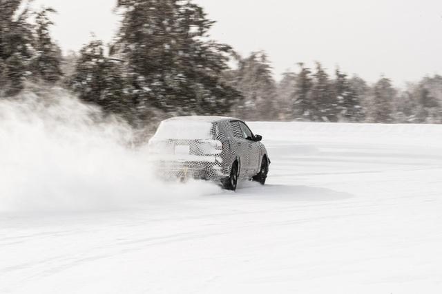 Ford Mustang phiên bản SUV chạy điện tiếp tục lộ diện và chốt lịch mở bán - Ảnh 2.