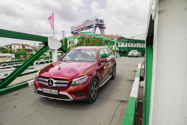 Hành trình Mercedes-Benz SUVenture 2019: Khám phá vẻ đẹp Sài Gòn bằng SUV - Ảnh 2.