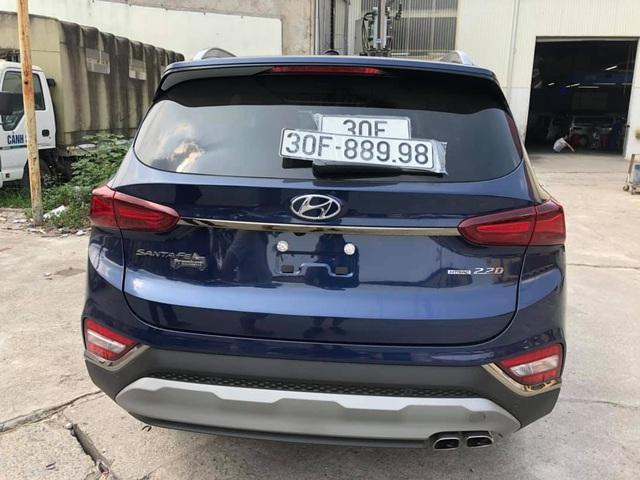 Bốc được biển 'phát tài', chủ Hyundai Santa Fe chào bán xe giá 1,9 tỷ đồng - Ảnh 2.