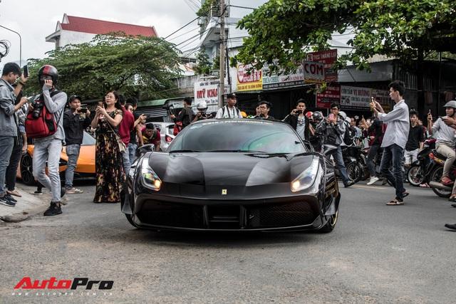 Hàng chục siêu xe và xe thể thao độ của đại gia Sài Gòn đổ bộ Bình Dương thu hút sự chú ý của người dân - Ảnh 6.
