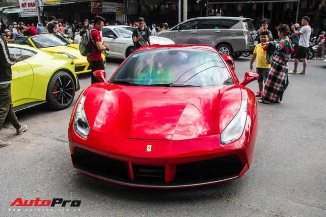 Hàng chục siêu xe và xe thể thao độ của đại gia Sài Gòn đổ bộ Bình Dương thu hút sự chú ý của người dân - Ảnh 9.