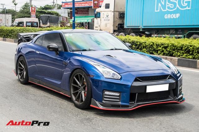 Hàng chục siêu xe và xe thể thao độ của đại gia Sài Gòn đổ bộ Bình Dương thu hút sự chú ý của người dân - Ảnh 24.