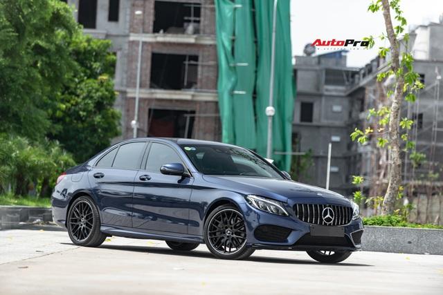 Mercedes-Benz C300 AMG độ kiểu C63 S được rao bán ngay sau lần thay dầu đầu tiên - Ảnh 10.