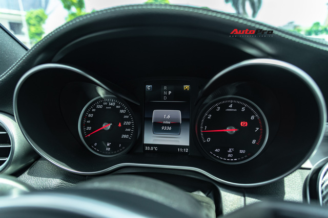 Mercedes-Benz C300 AMG độ kiểu C63 S được rao bán ngay sau lần thay dầu đầu tiên - Ảnh 8.