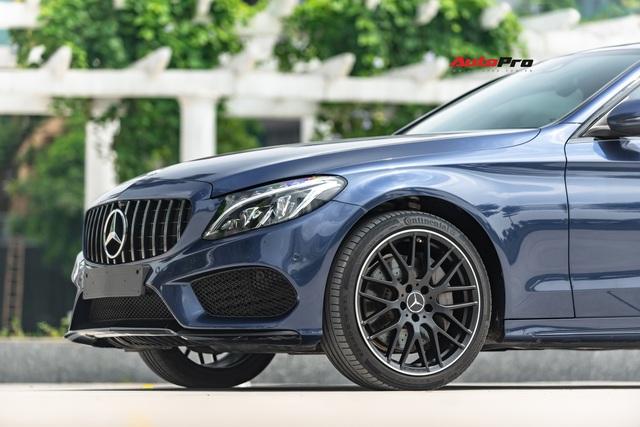 Mercedes-Benz C300 AMG độ kiểu C63 S được rao bán ngay sau lần thay dầu đầu tiên - Ảnh 2.