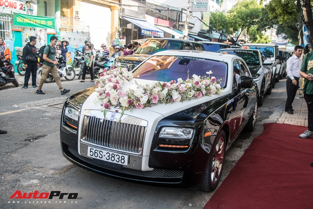 Minh Nhựa ngồi đầu xe Lamborghini Urus chụp ảnh cùng dàn xe hơn 100 tỷ đồng phục vụ đám cưới cô con gái - Ảnh 10.